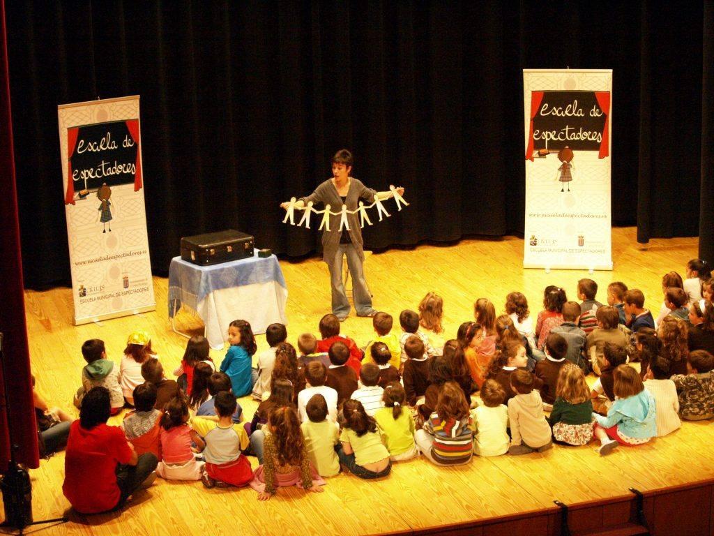 Creacion-de-publicos-Escuela-Espectadores.Jugando-a-ver-teatro